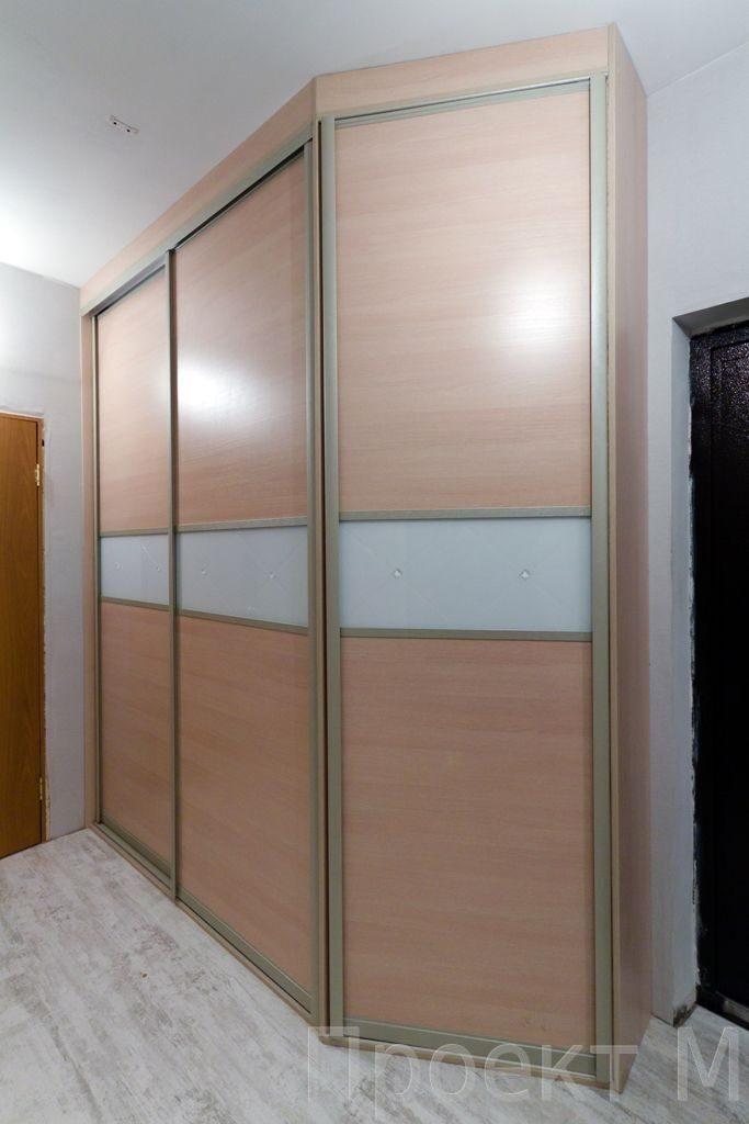 Шкаф купе с распашной дверью классические и встроенные шкафы.
