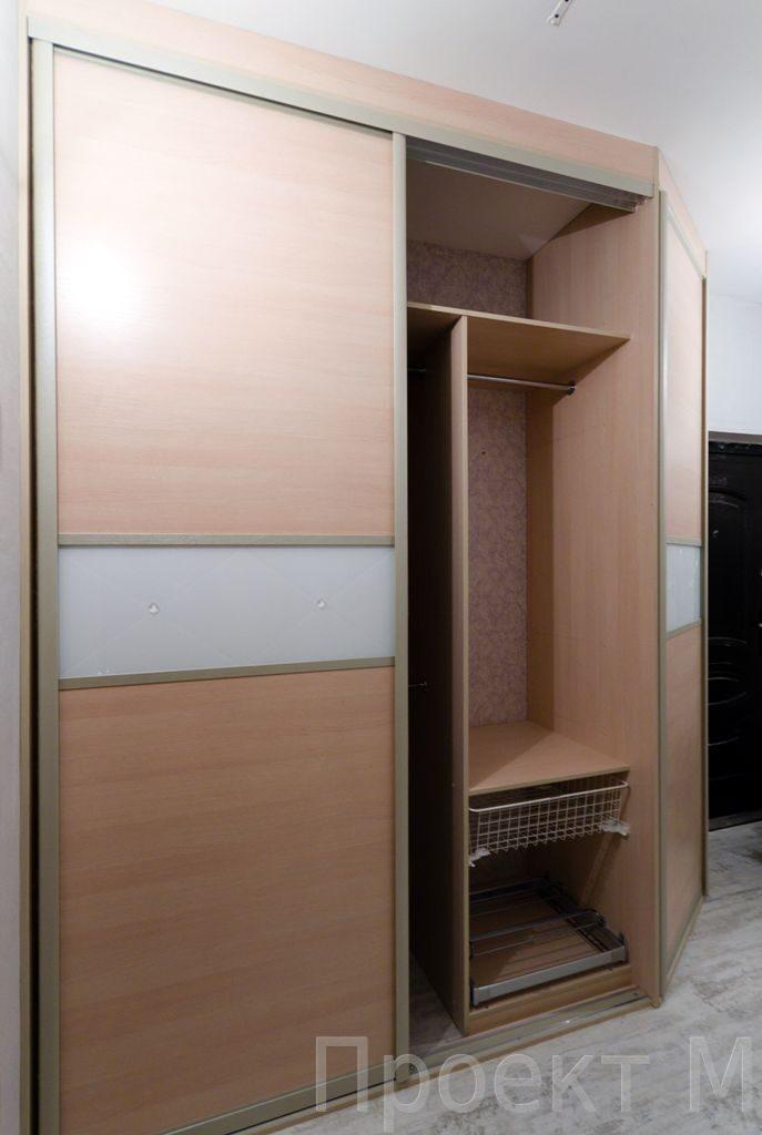 Комбинированный шкаф купе с распашной дверью классические и .