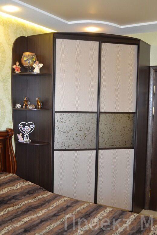 Угловой шкаф шоколад матовое стекло радиусные и угловые шкаф.